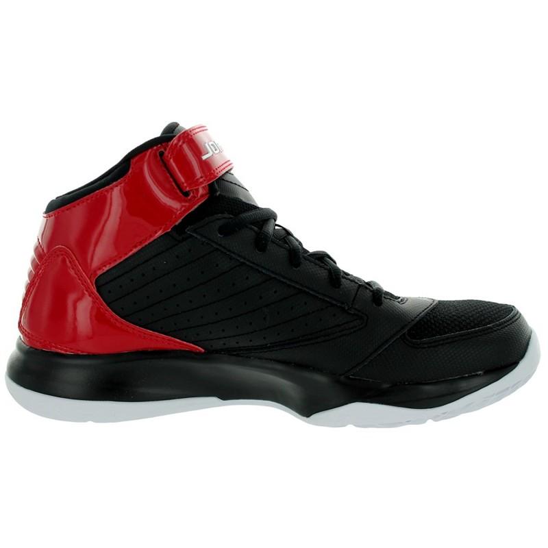 wholesale dealer 48a64 d6b6d Nike Jordan BCT Mid 3 Basketball Shoes (Black)